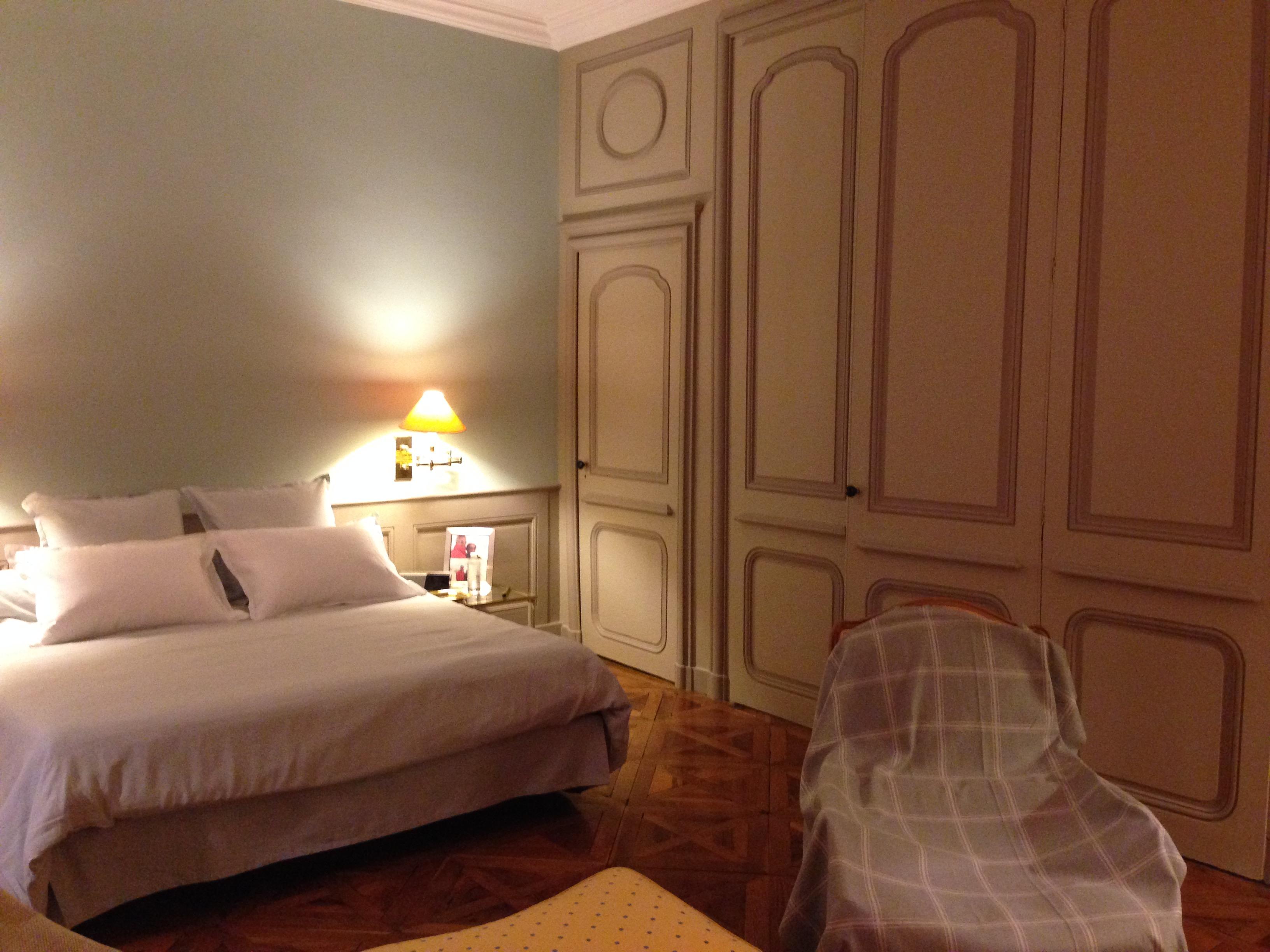 Rénovation de placards, peinture et finitions de la chambre complète